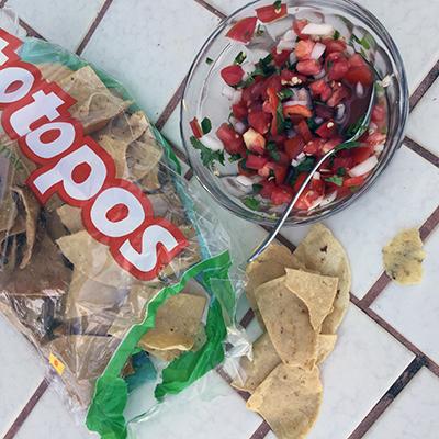 salsa-y-totopos